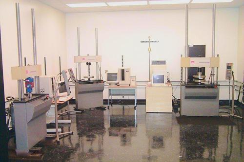 MTS-810, Elastomer Test System w/ MTS Teststar Controller